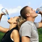 como-eliminar-las-ojeras-beber-agua