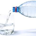 sindrome-de-intestino-irritable-tomar-agua